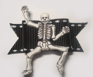 "#1324 - 5/8"" Dog Bow - Eerie Skeleton, Black & White"