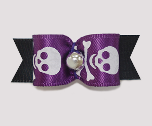 "#1999 - 5/8"" Dog Bow - Spooky Skull & Crossbones on Black"