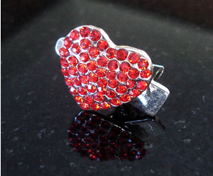 #S0016 - Dog Rhinestone Hair Clip - Sparkly Red Heart