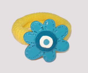 #SF0290 - Scrunchie Fun - Yellow Band, Blue Flower