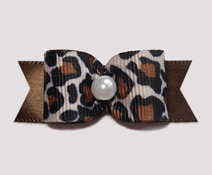"#1604 - 5/8"" Dog Bow - Exotic Leopard Print, Faux Pearl"