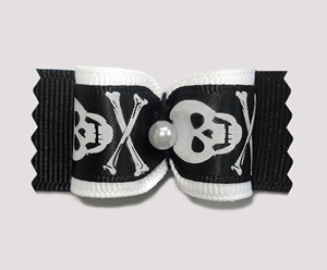 "#A7129 - 7/8"" Dog Bow - Punky Pirate Skull & Crossbones"