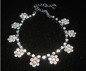#00S0580 - Dog Rhinestone Necklace - Gorgeous Sparkling Daisies