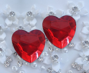 #02HRTCL - Puppy Love, Ruby Red Heart Clips, Pair